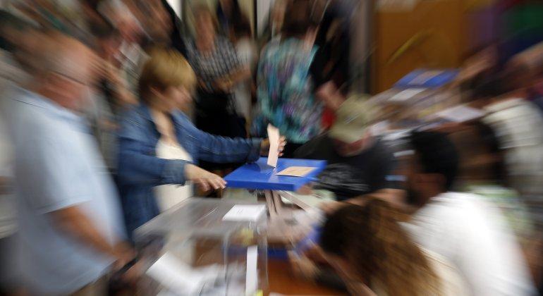 elecciones-votan-movida.jpg