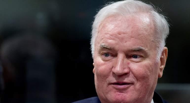 Mladic, condenado a cadena perpetua por genocidio, crímenes de guerra y crímenes contra la humanidad