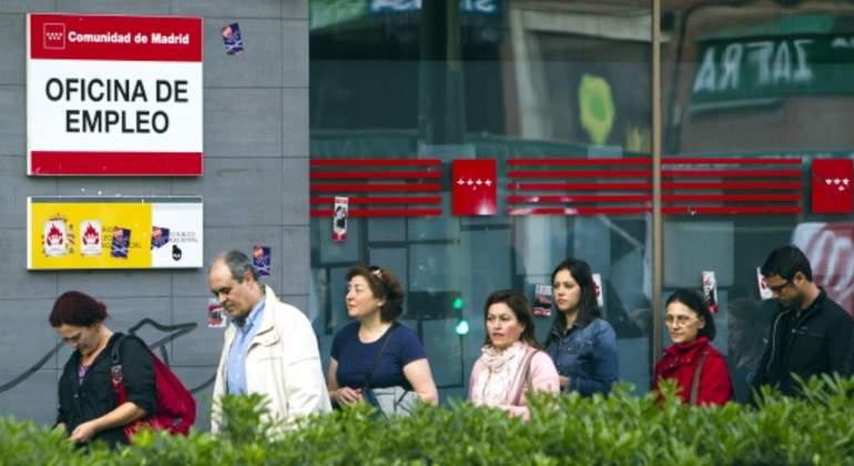 Espa a no recuperar hasta 2021 los m s 3 millones de for Oficina de empleo azca madrid