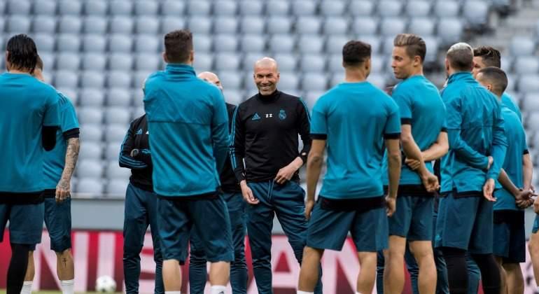 Zidane-sonrisa-charla-Bayern-2018-efe.jpg