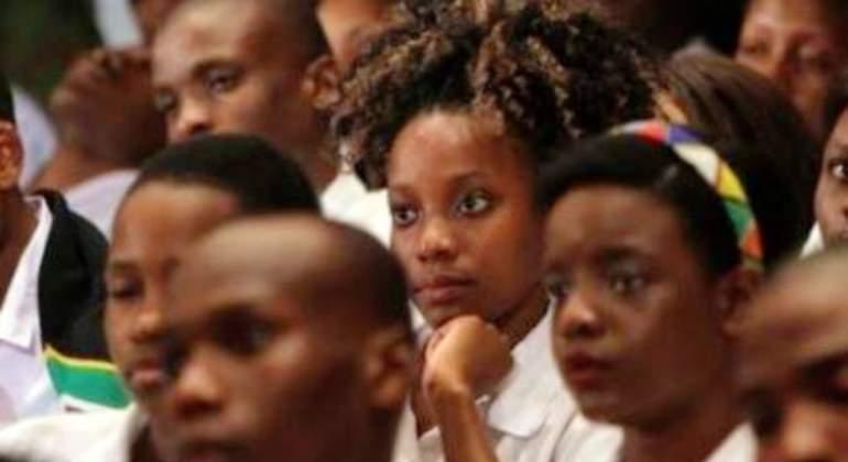 sudafrica-exige-virginidad-estudiar-beca-efe.jpg