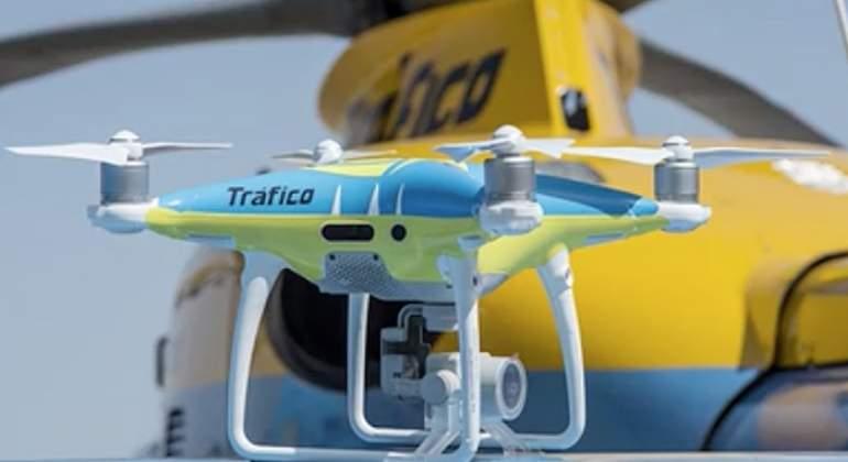 La Dgt Probar 225 Sus Drones En El Puente De Mayo Habr 225 7 4