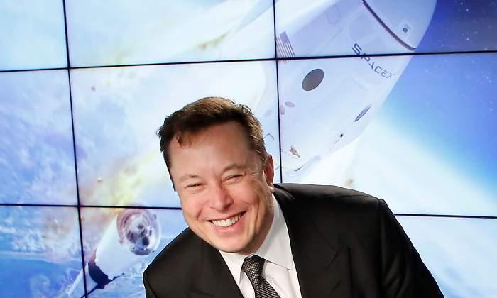 Elon Musk se ríe de sí mismo y fía sus rarezas al Asperger