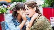 Chicas-contando-un-secreto-iStock.jpg