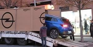 Opel entrega el primer Grandland X vendido por Amazon