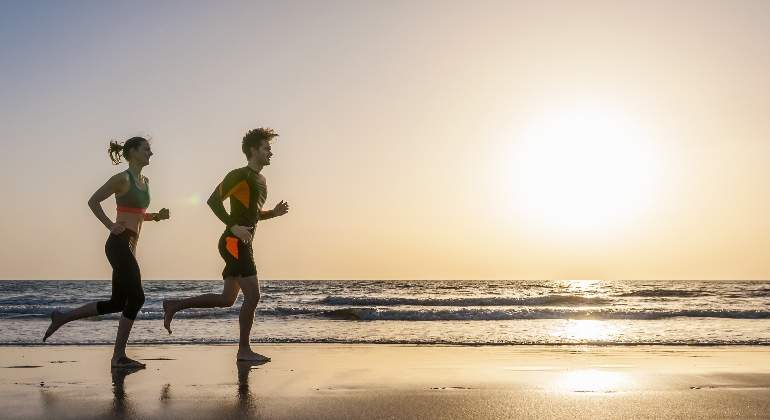 deporte-correr-playa-getty.jpg