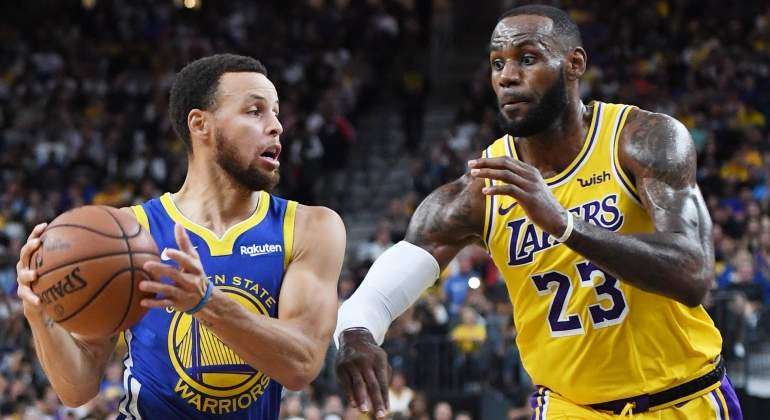 curry-lebron-warriors-lakers-pretemporada-getty.jpg