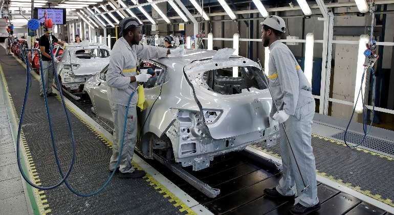 coche-fabrica-reuters.jpg