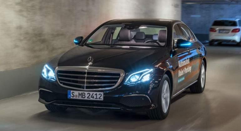 Mercedes y Bosch presentan su estacionamiento automatizado