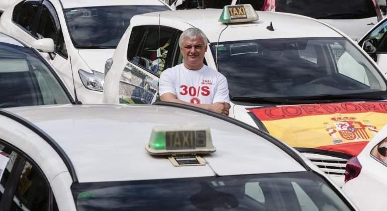 El taxi reabre la guerra contra las VTC: anuncia huelgas en Madrid y Barcelona