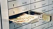 Dar muerte al dinero en efectivo de forma prematura generaría una avalancha de riesgos para la sociedad
