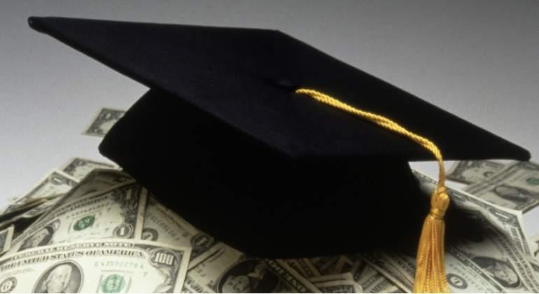 estudiante dinero getty 770.jpg