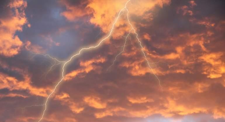 tormenta-dreamstime.jpg
