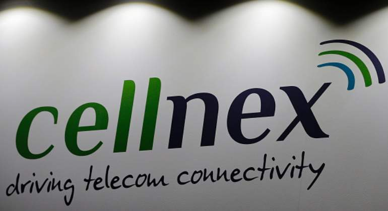 cellnex-logo-lema-luces-pared-getty-770x420.jpg