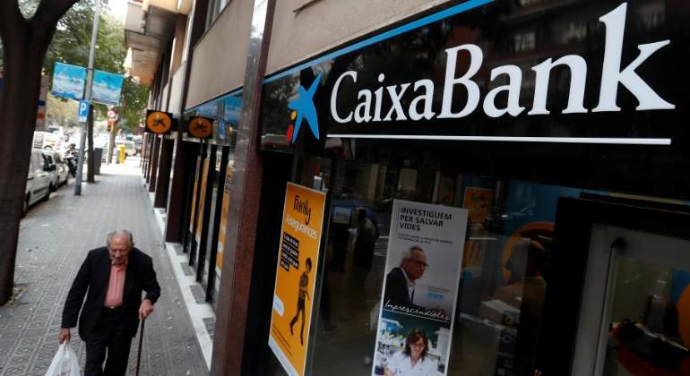 caixabank-sucursal-lateral-reuters.jpg