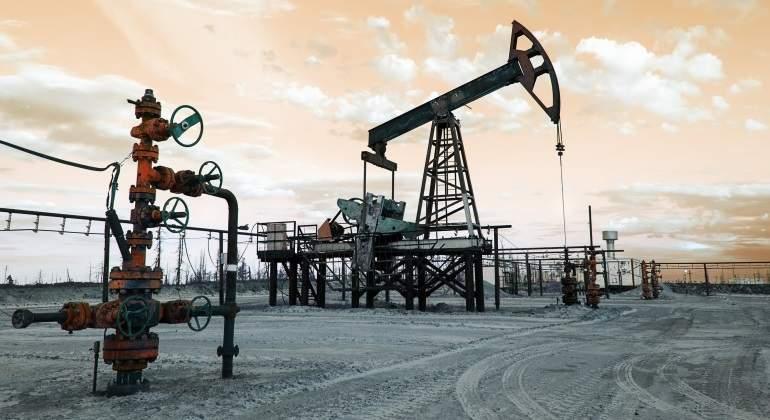 El petróleo marca su mejor enero desde 1983 impulsado por los recortes de la OPEP y la Fed