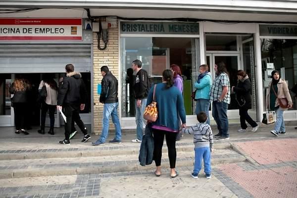 La tasa de desempleo en la ocde cae al 6 3 en mayo for Oficina de paro madrid