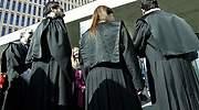 770-x-420-Abogados-con-sus-togas-en-la-calle.jpg