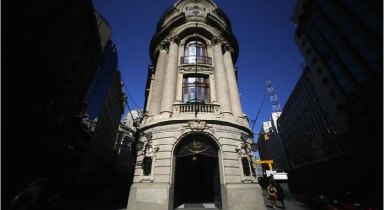bolsa-de-comercio.de-santiago-reuters.png