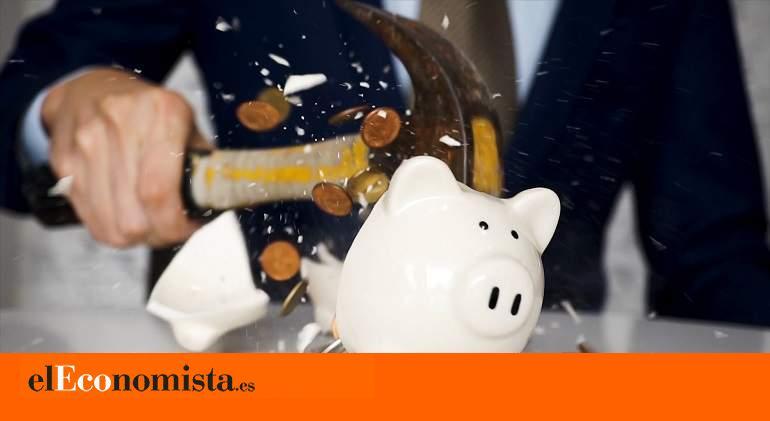 El sector privado censura la reforma del ahorro impulsada por el Gobierno.