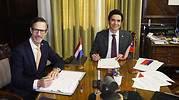 Chile y Países Bajos firman convenio para eliminar la doble tributación