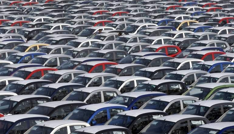 Empieza 2018 con caída en venta de autos