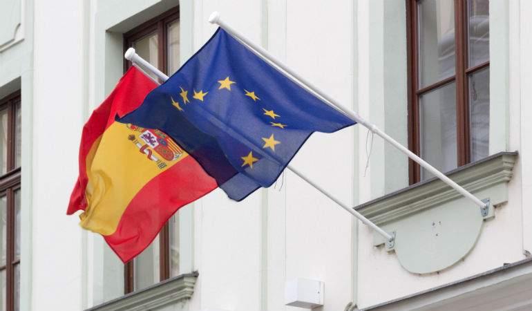 El Gobierno negocia con Bruselas una rebaja de 3.000 millones en los recortes exigidos