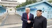 Trump, primer presidente de EEUU que pisa Corea del Norte en un encuentro simbólico e improvisado con Kim Jong-un