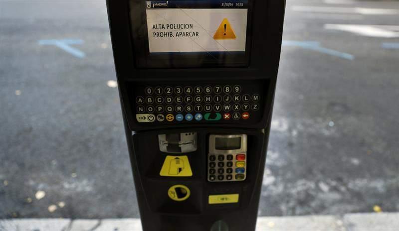 parquimetro-madrid-prohibido-aparcar-contaminacion.jpg