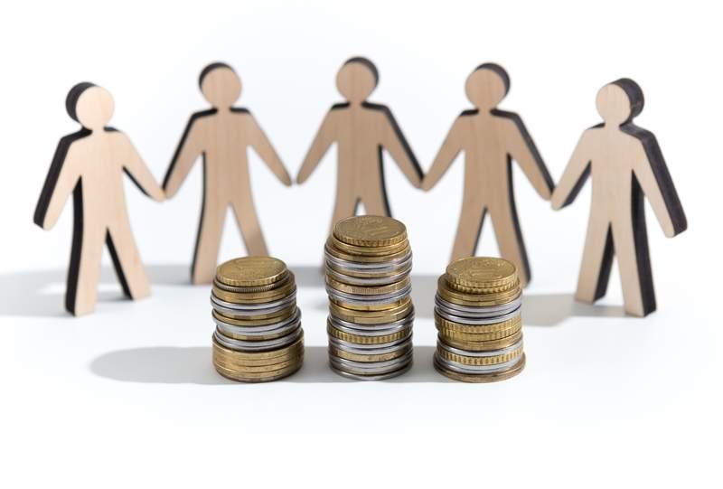 financiacion-alternativa-dinero-colaboracion-crowdfunding-crowdlending-dreamstime.jpg