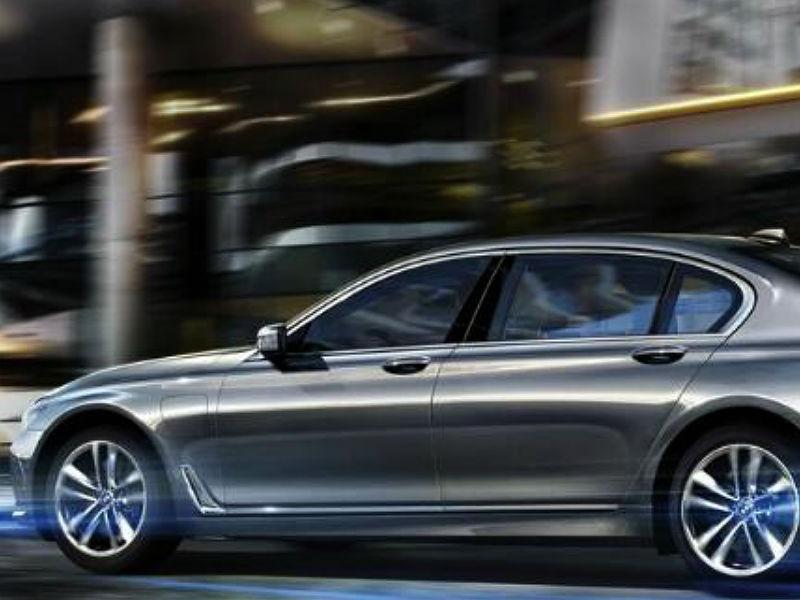 El nuevo BMW Serie 7 estrena versión híbrida enchufable