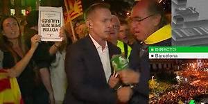 Un independentista quita el micrófono a Hilario Pino