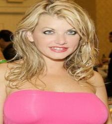 La actriz Vicky Vette. Foto: taylorrainblog.com - vicky-vette