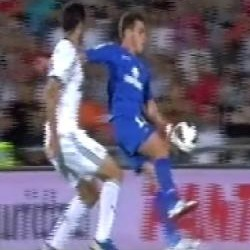 Foto  ¿Hubo mano de Colunga en el segundo gol del Getafe ante el Real  Madrid  0955a0c6133