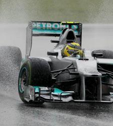 Lotus presenta una queja a la FIA contra el <b>alerón trasero de Mercedes</b>