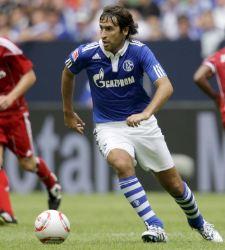 Raúl se debate entre renovar por el Schake 04 o emigrar a EEUU o Qatar