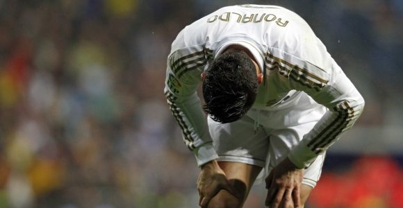 Las críticas a Cristiano Ronaldo disparan las dudas sobre su continuidad en  Madrid fc2d8bdcdfe