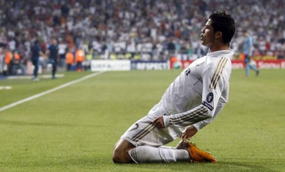 El Real Madrid y <b>Cristiano Ronaldo</b> ya negocian una suculenta ampliación de contrato