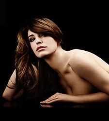 Kelly Brook Se Desnuda Para Reebok Ecodiarioes