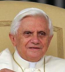 Benedicto_XVI_primerplano.jpg