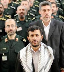 ahmadineyad_militares.JPG