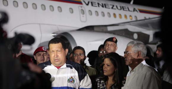 Chavez-regreso-Venezuela-avion-2012-efe.jpg
