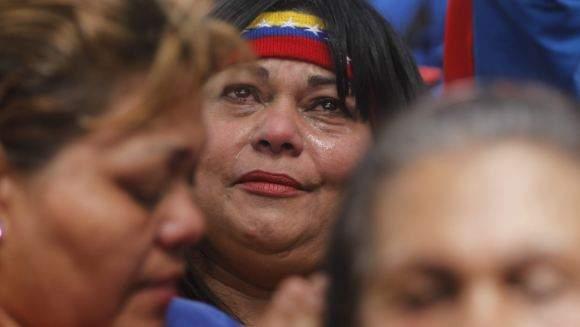 venezolanos-apoyan-chavez.jpg