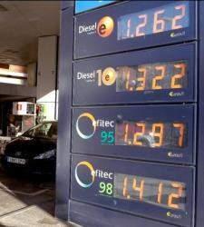 Qué países pagan más y cuáles menos por un litro de combustible