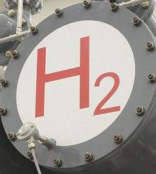 El primer coche de hidrógeno ya tiene fecha: comenzará a venderse en 2015