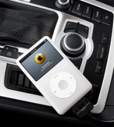 <b>Apple</b> desarrolla un control remoto para iPod desde el volante del coche