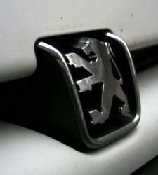 <b>Peugeot</b> planea suprimir 8.000 puestos en Francia para reequilibrar sus cuentas