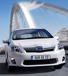 Toyota quiere coches híbridos más asequibles: ofrece descuentos de 2.300 euros - 225x250