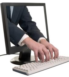 ordenador_manos.jpg