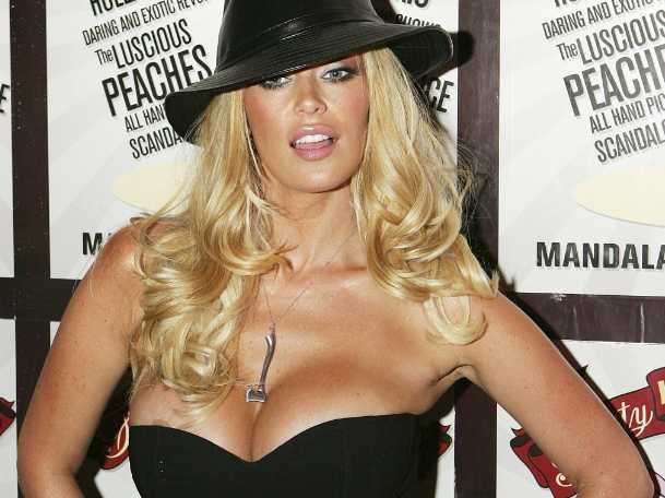 /imag/businessinsider/2013/04/08/jenna-jameson-arrested-for-battery.jpg